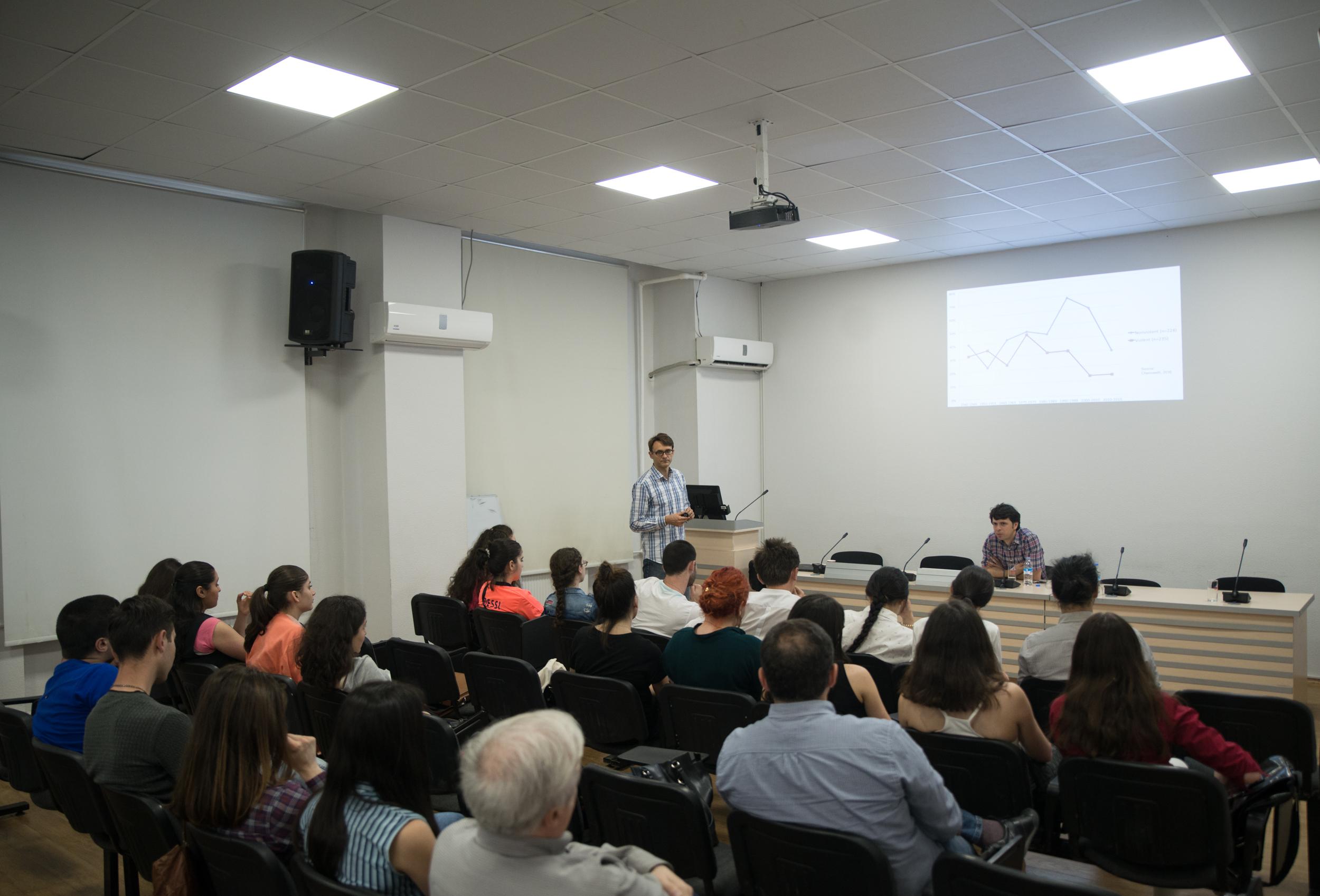 მაჩი ბარტკოვსკის საჯარო ლექცია – სამოქალაქო მოძრაობები და დემოკრატიული განვითრება